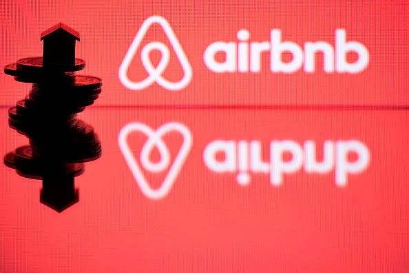 Airbnb acquiring hotel-booking service HotelTonight
