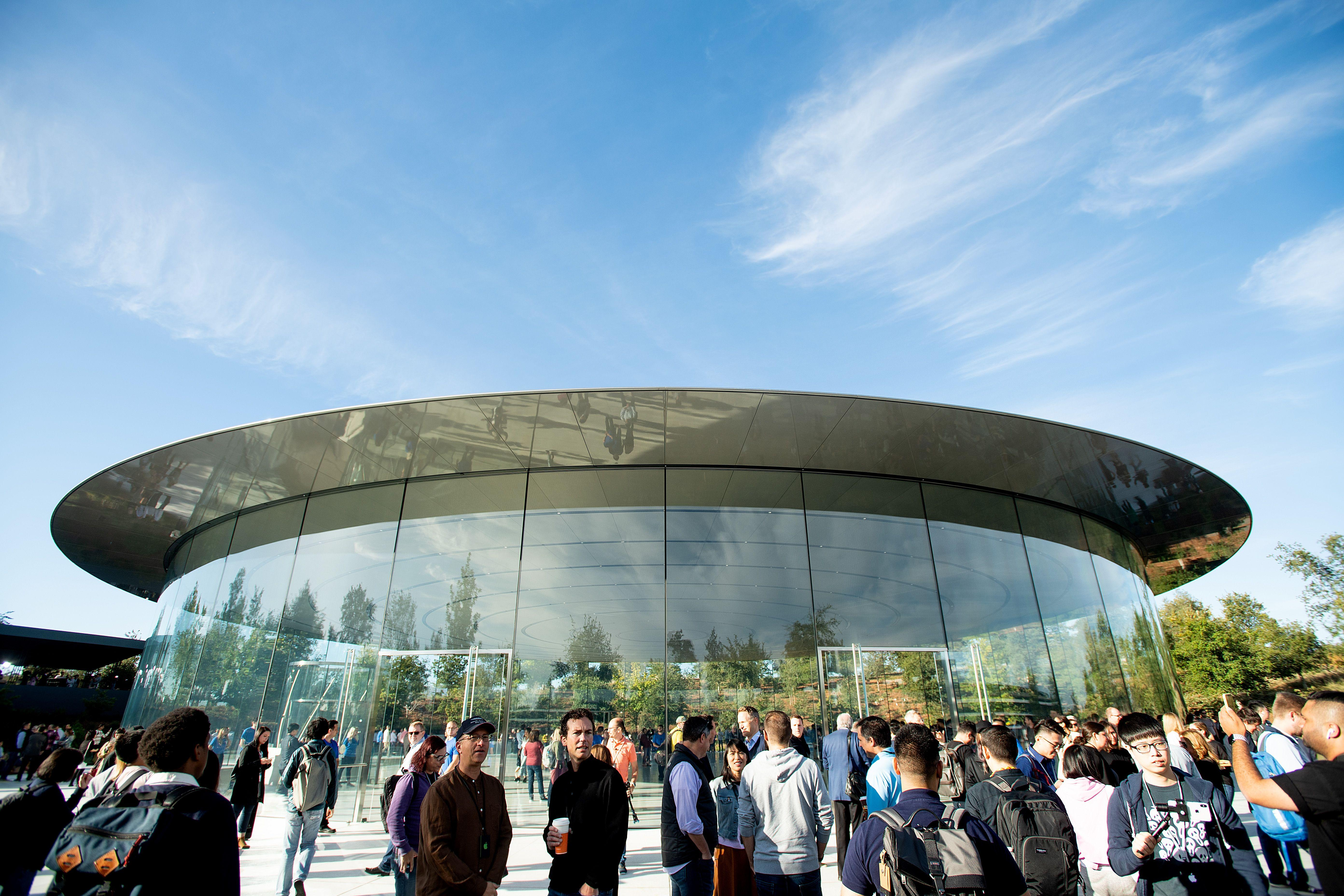 Apple sets March 25 event, hints at streaming