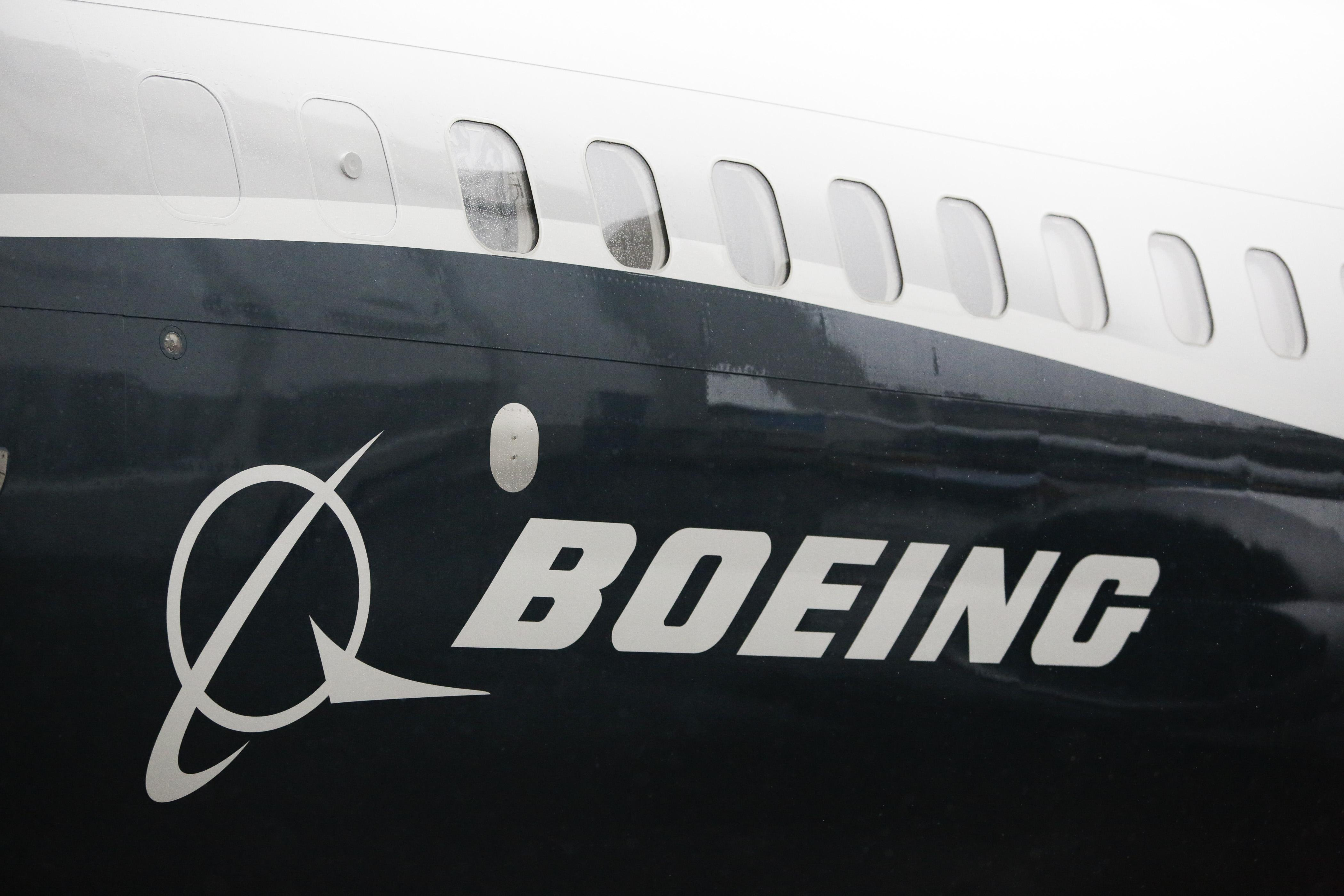 GettyImages-Boeing 737 Rollout