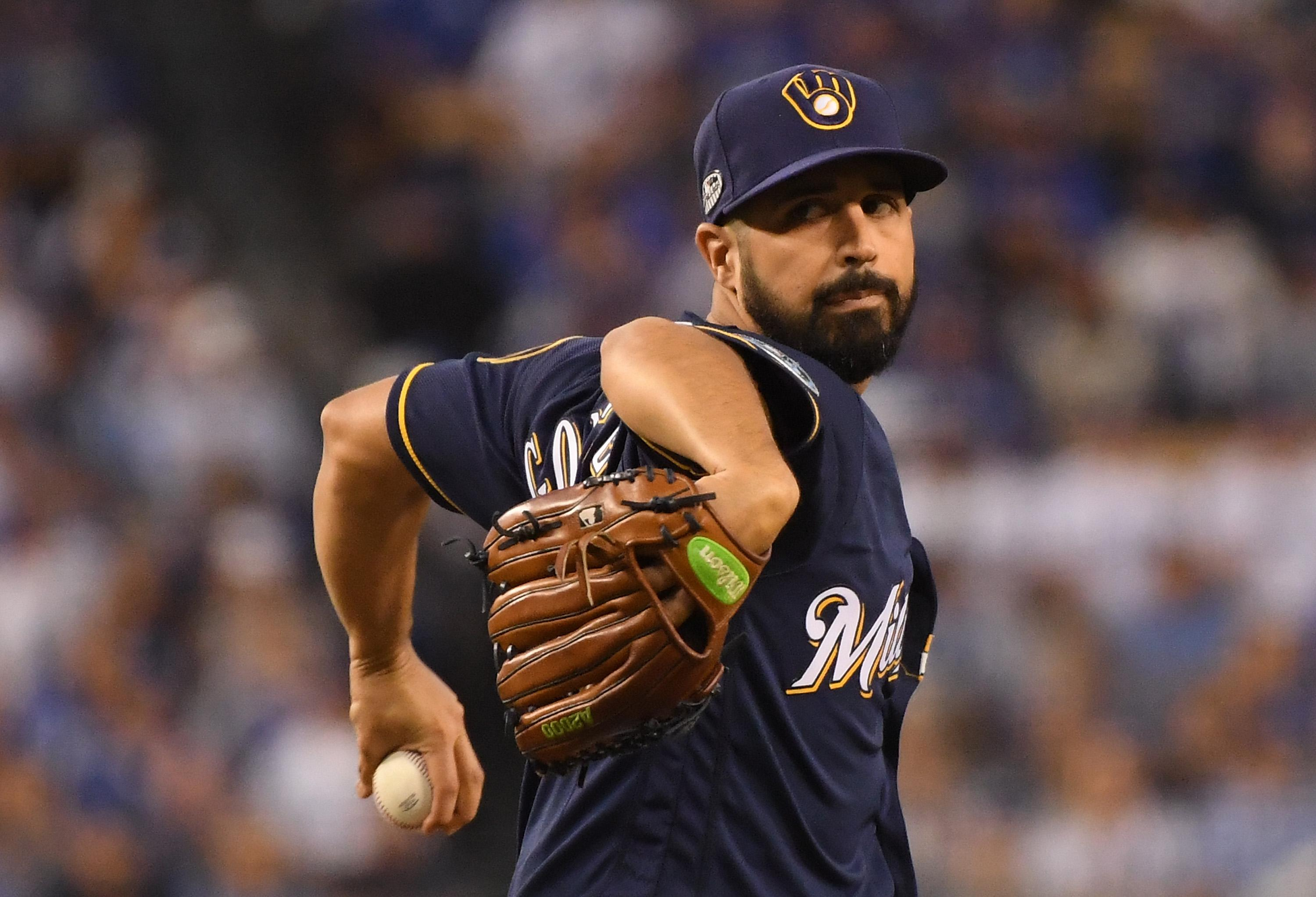 Yankees reportedly sign Gio Gonzalez to a minor league contract