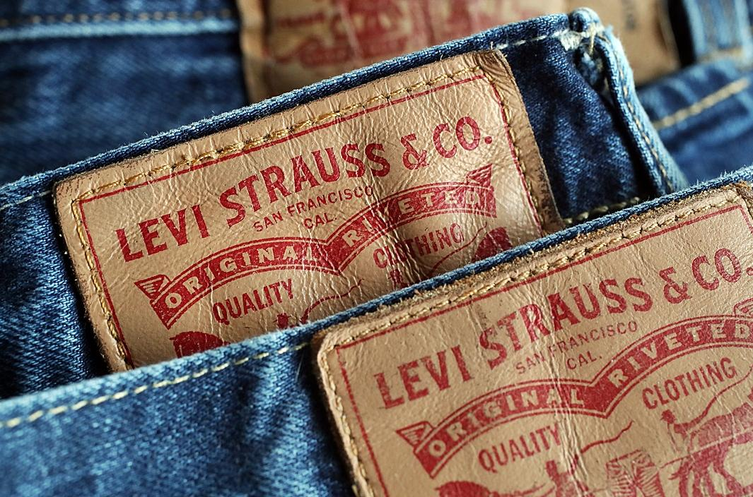 Traders put their blue jeans on for Levi's debut
