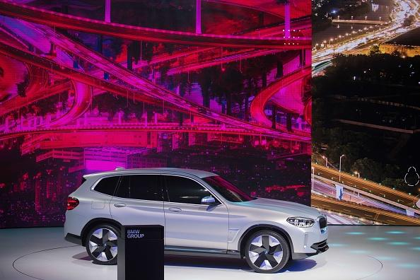 BMW, Daimler to offer self-driving cars for Autobahn from 2024