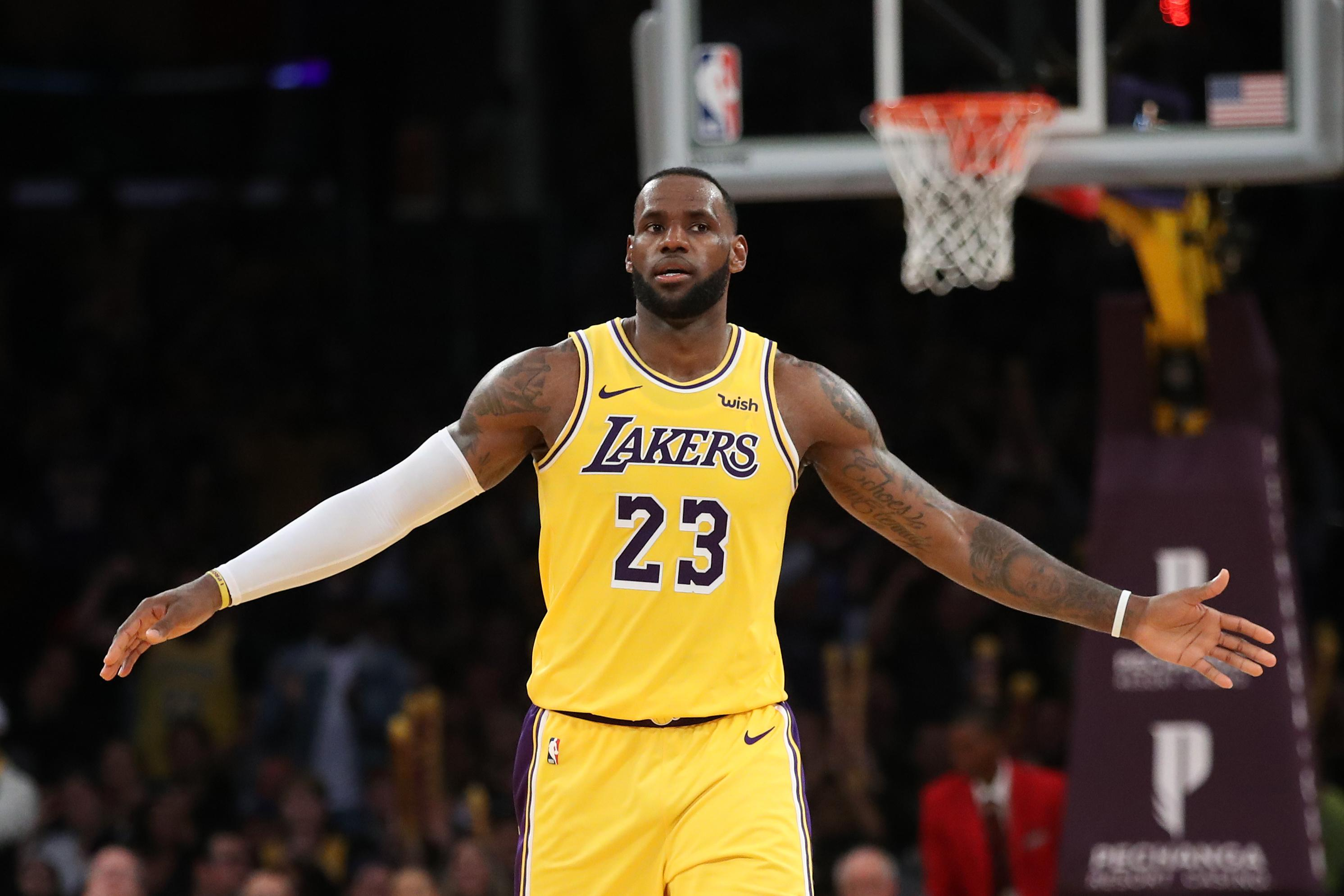 official photos 3dd05 89095 NBA: Lakers Coach Explains Plan To Form LeBron James ...