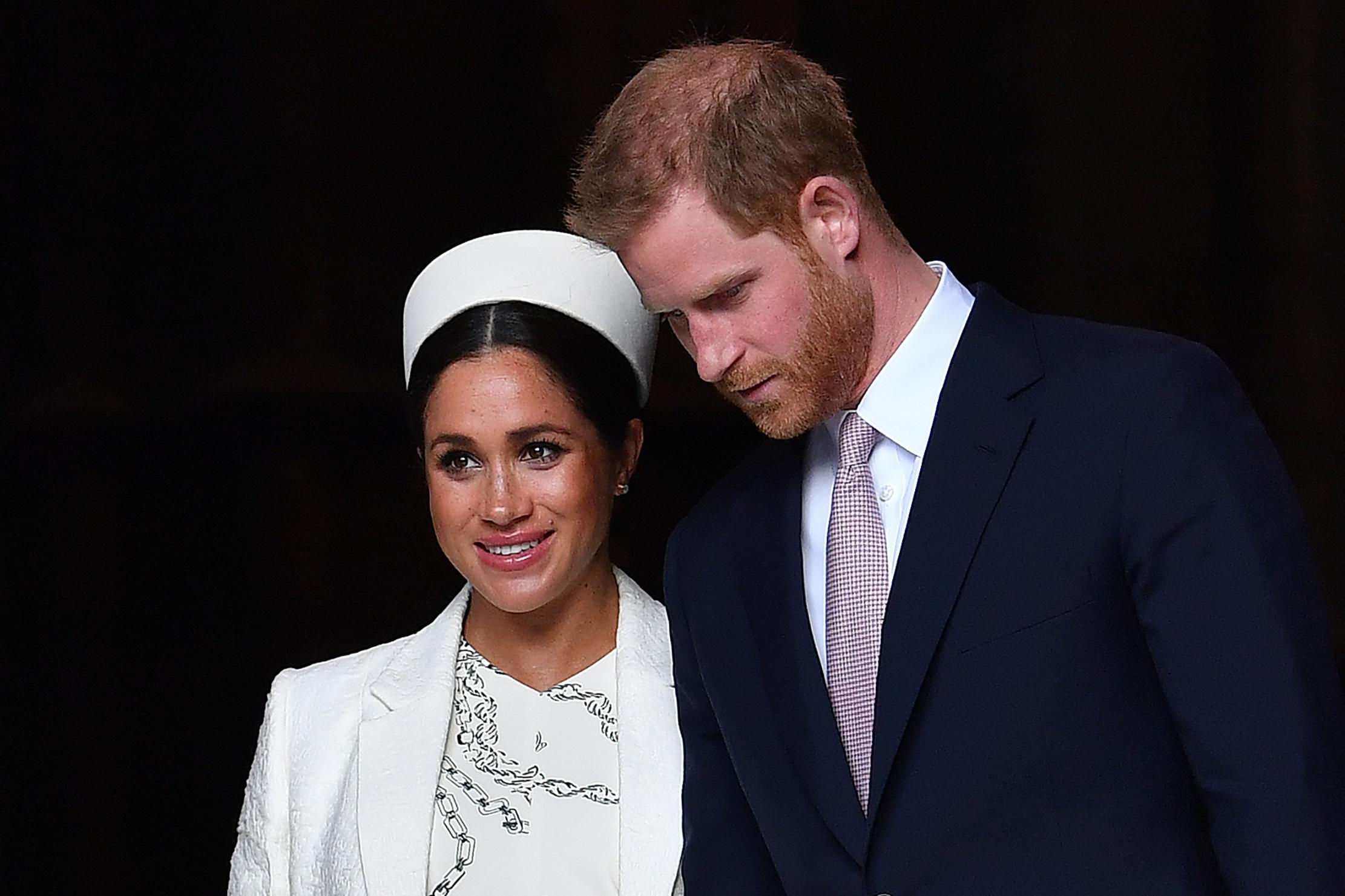 meghan markle prince harry bombshell exit queen elizabeth royal family allegedly tired of couple s issues meghan markle prince harry bombshell