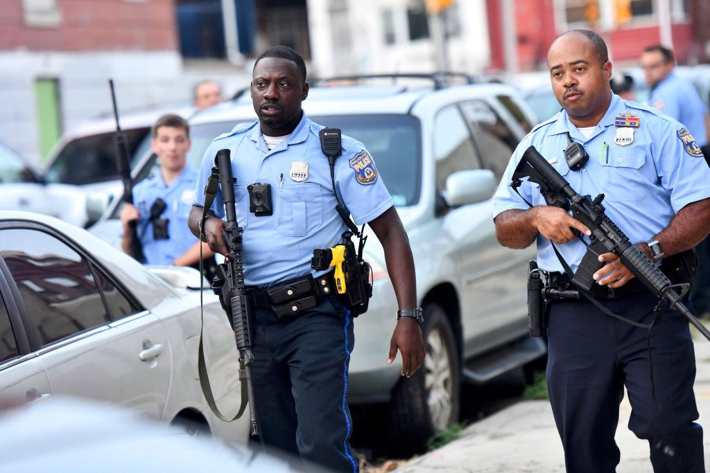 Philly shootout wounds six cops