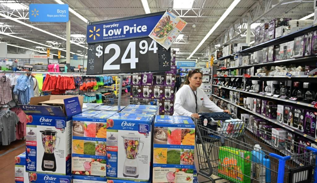 Americans are missing out on $21 billion worth of gift cards and store credits.