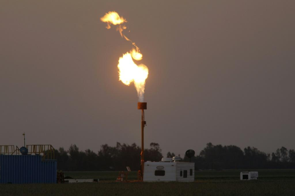 The US Environmental Protection Agency said plans to roll back limits on methane leaks from pipelines and wells would save the oil and natural gas industry millions -- but major oil corporations want current rules maintained