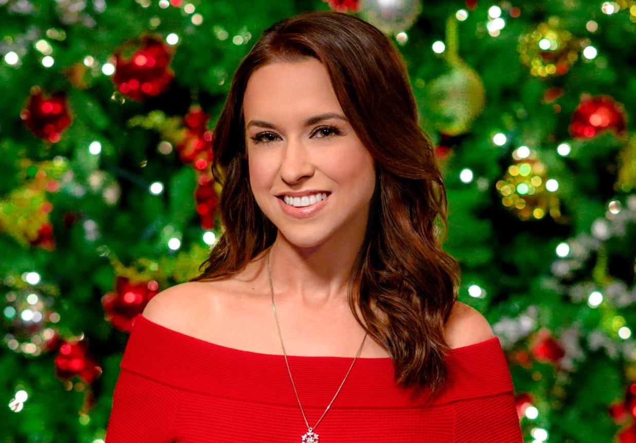 Christmas List 2019.See Hallmark S Full Schedule Of New 2019 Christmas Movies