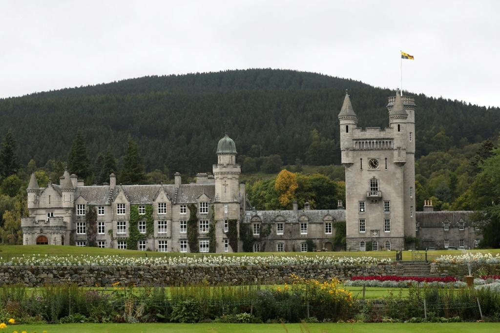 He will spend a night at Balmoral Castle and dine with the Queen