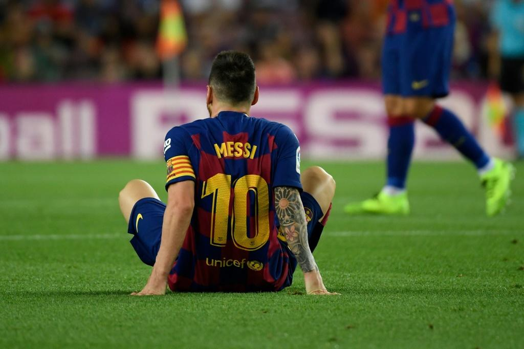 Messi sparkles in Barca's 5-1 rout of Valladolid