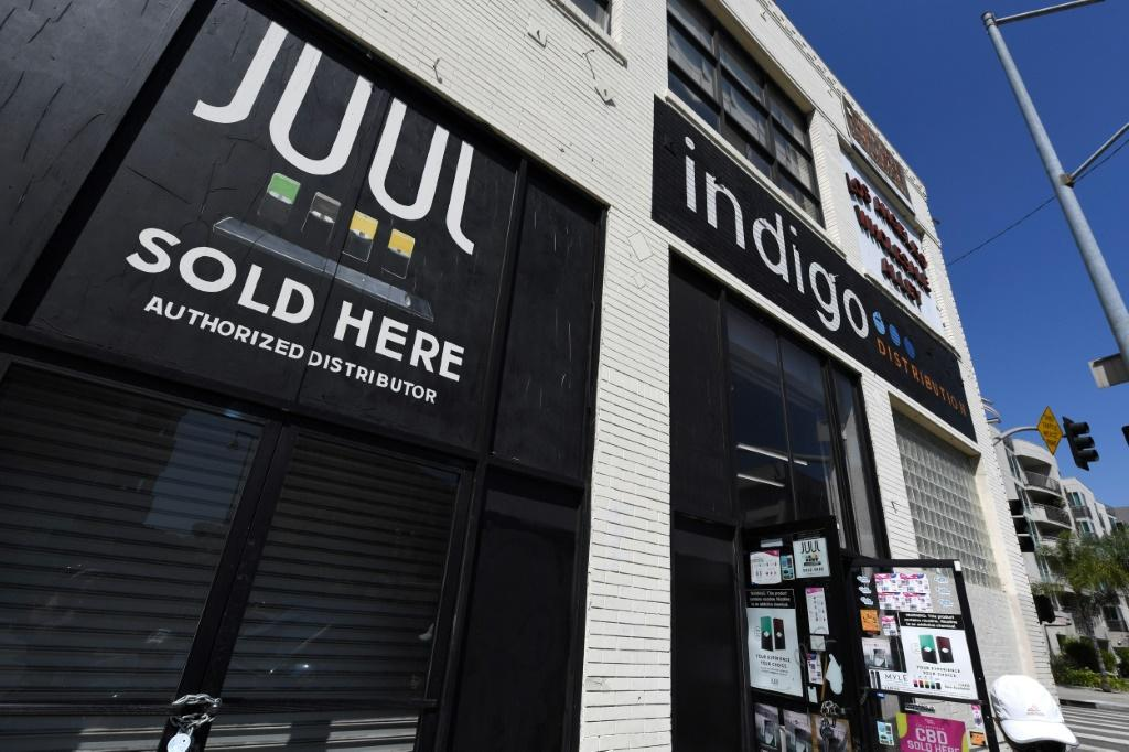 New lawsuit claims JUUL targeted teens with marketing on television and online