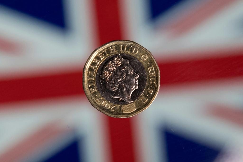 The pound is struggling to recover as fears grow that Britain will leave the EU on October 31 without a divorce deal