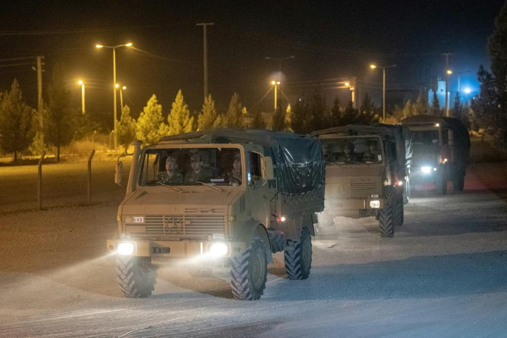 Turkey sent more armoured vehicles to the border with Syria on Tuesday