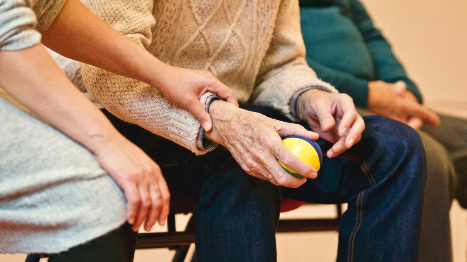 5 ways that you can reduce the risk of developing dementia