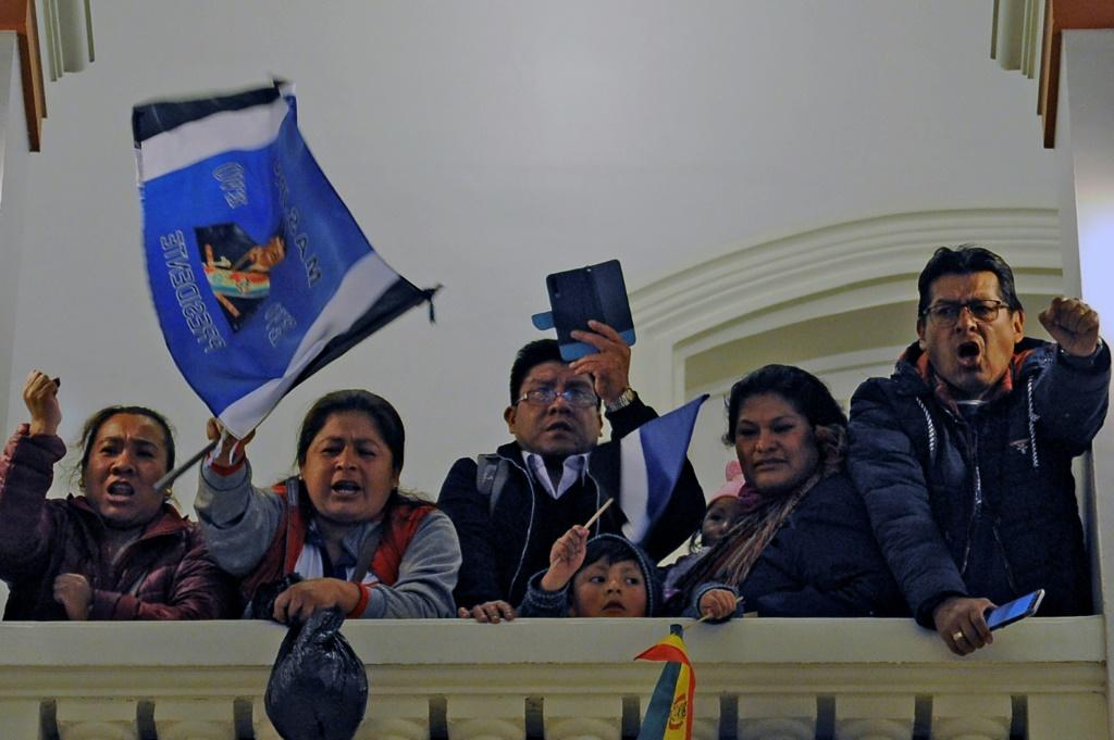 Bolivia's seven million eligible voters also cast ballots to choose members of the 166-seat congress -- 36 senators and 130 deputies