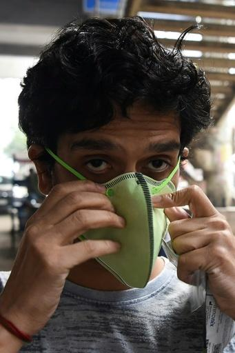 Residents of Delhi are advised to wear masks to protect them from the worst effects of the smog