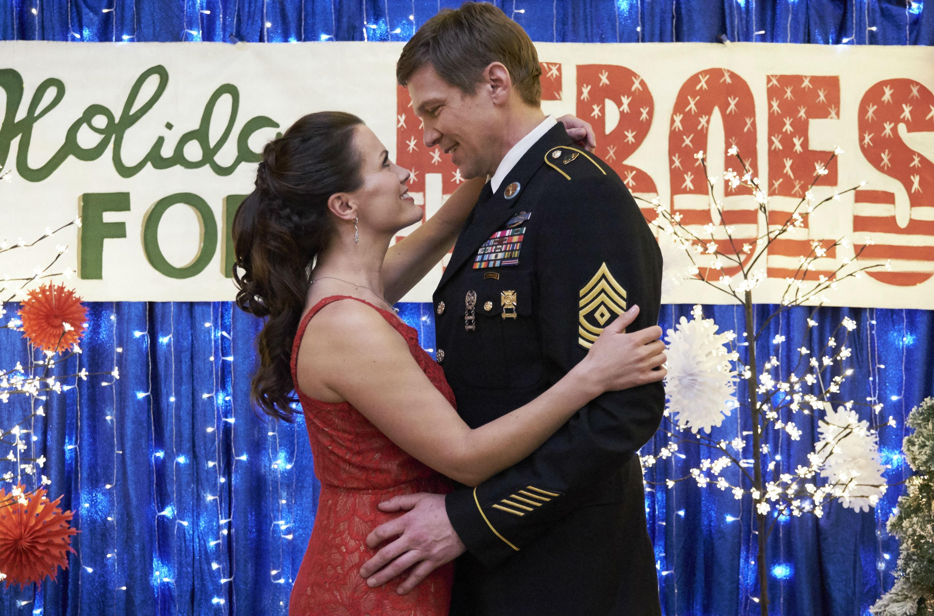 hallmark holiday for heroes synopsis