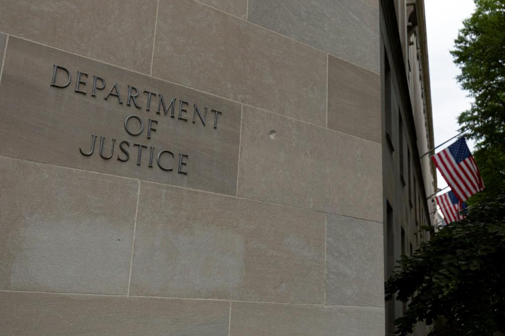 A Chinese scientist has pleaded guilty to stealing trade secrets from a US petroleum company, the US Department of Justice said