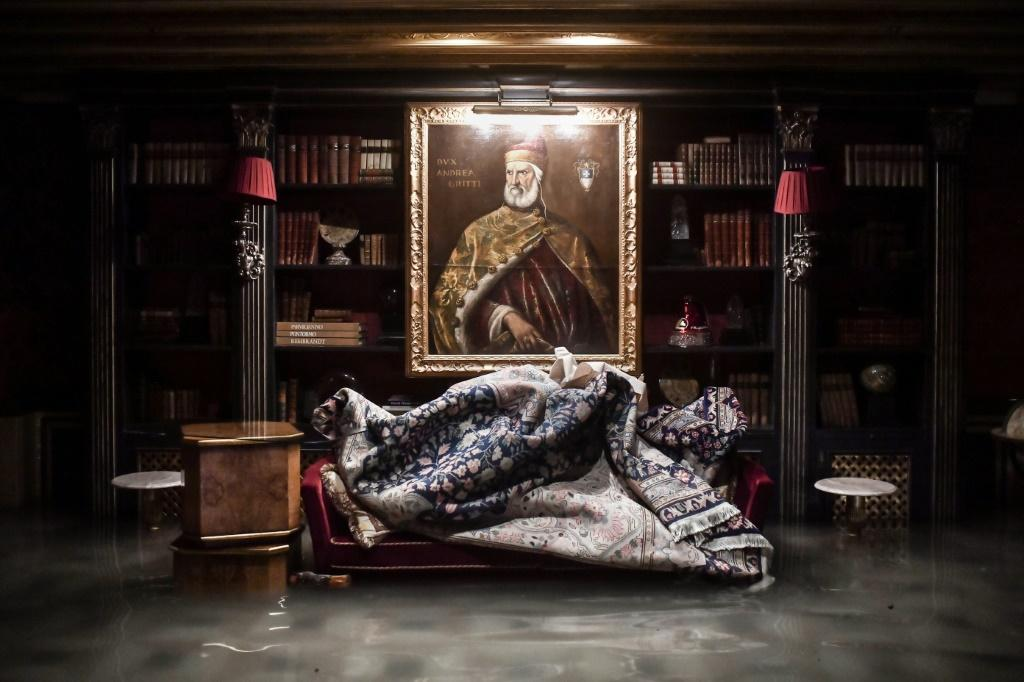 A room floods in the Gritti Palace in Venice on November 12