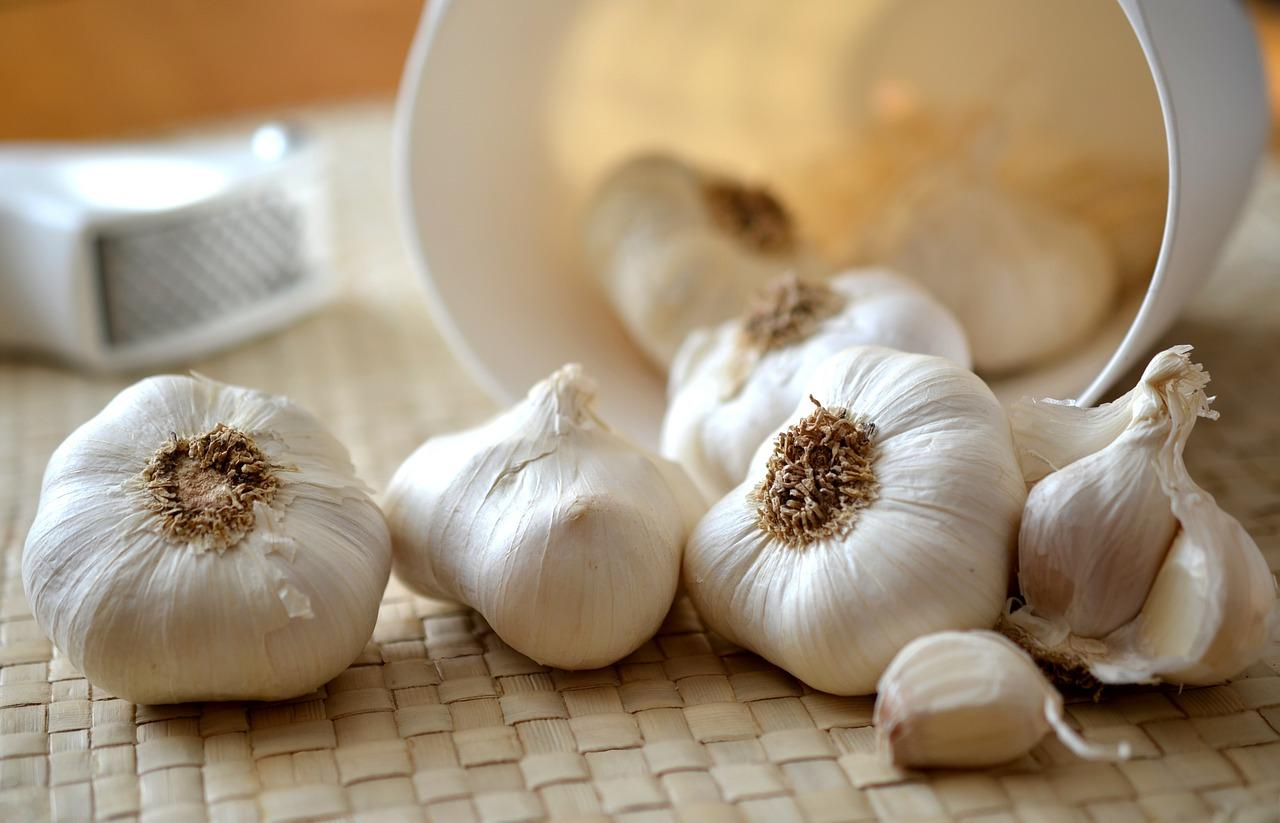 garlic is good for the heart and can increase life expectancy