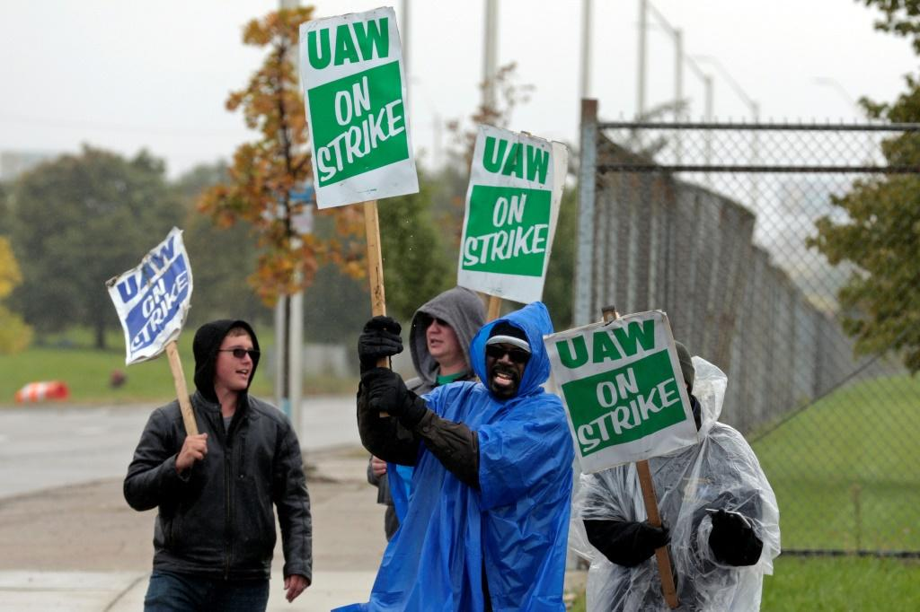 UAW workers went on strike for 40 days at General Motors before ratifying a new contract last month