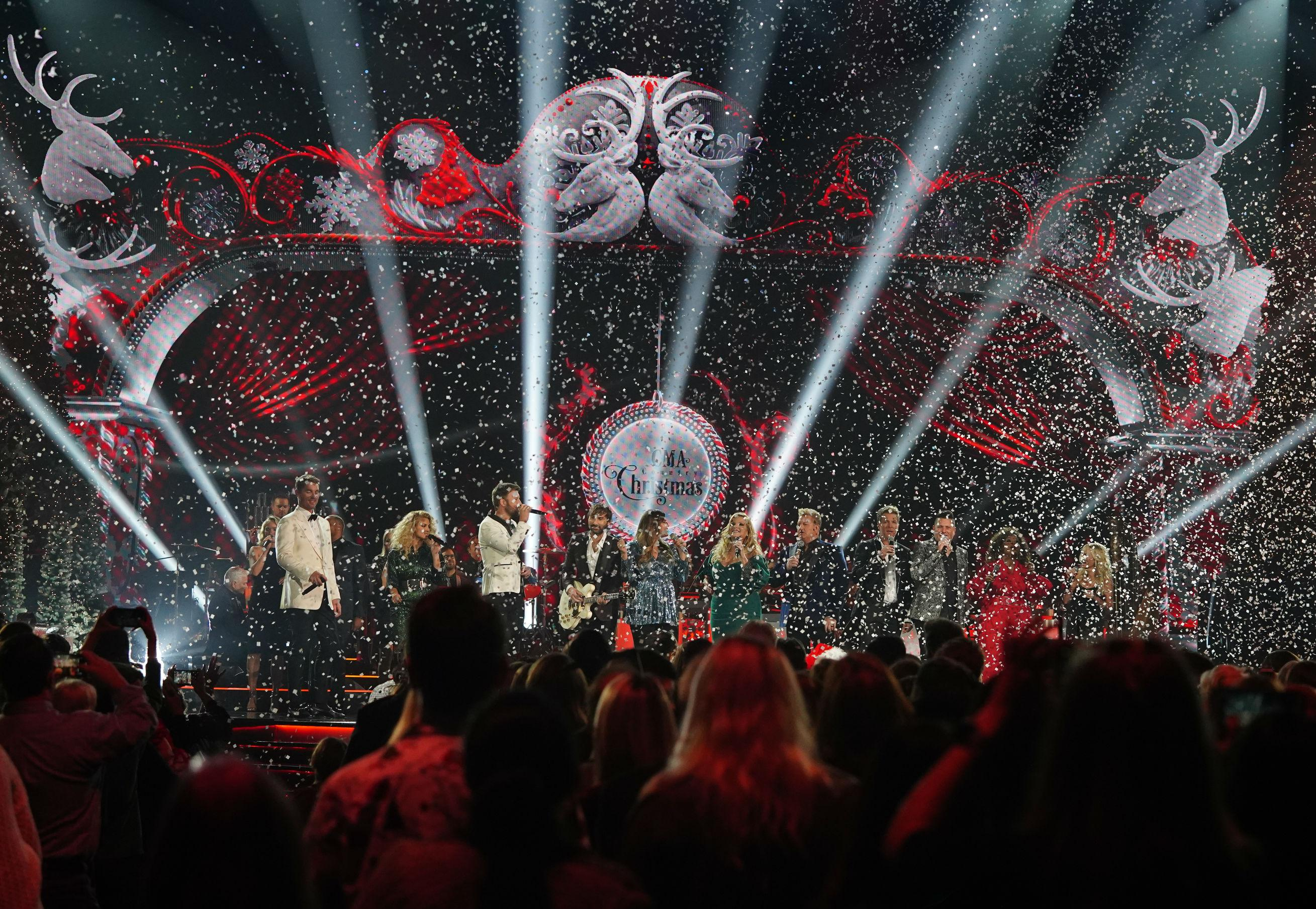 Which Stars Will Be On The Cma Country Christmas 2020 CMA Country Christmas' 2020: New Hosts Announced, Other Changes