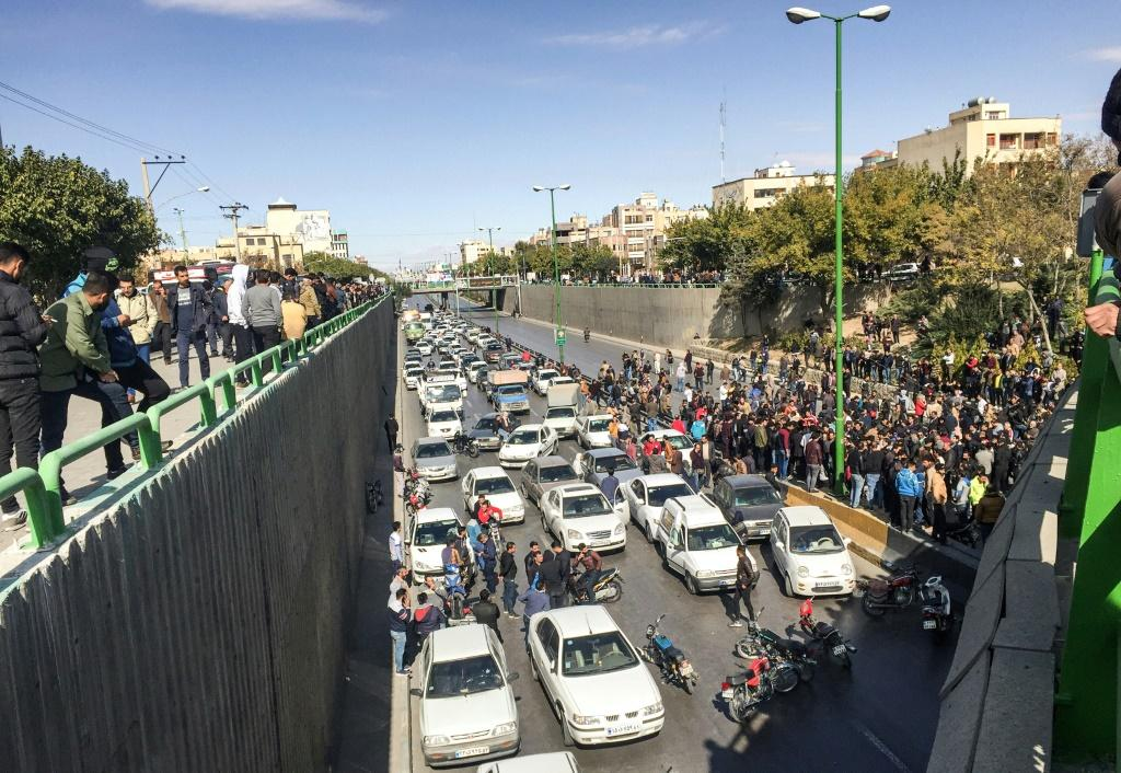 Iranian protesters blocked major roads during demonstrations, which prompted authorities to cut internet access to stop images being released around the world