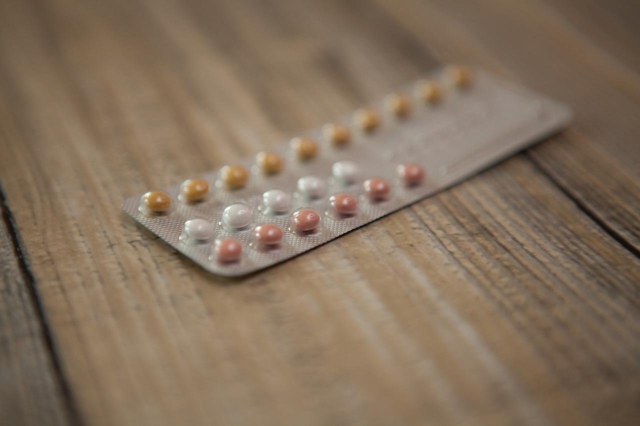 oral contraceptive pills brain shrink size