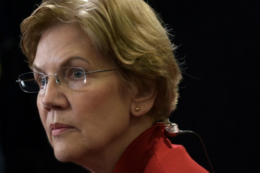 "Democratic Senator Elizabeth Warren, one of the top Democrats hoping to challenge Trump for the presidency, said he is ""threatening to commit war crimes"