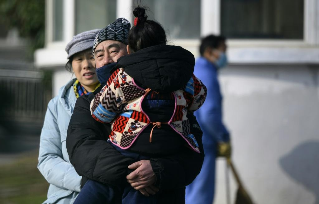 China shuts down public transport in city at centre of virus outbreak