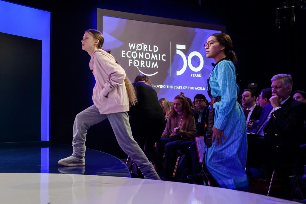 Thunberg (L) underlined the message that has inspired millions around the world -- that governments are failing to wake up to the reality of climate change