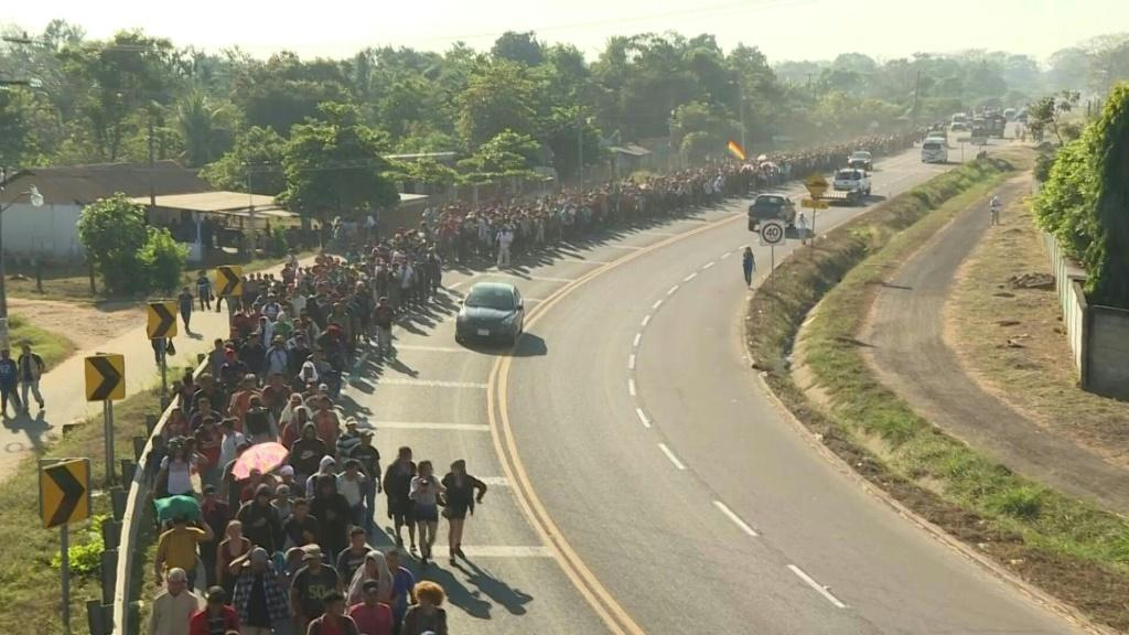 Hundreds of Central American migrants walk in Mexico towards the United States.