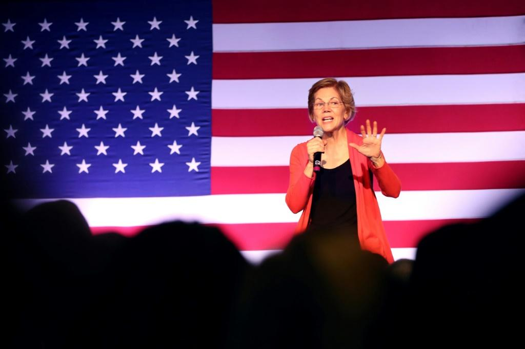 Democratic presidential candidate Elizabeth Warren speaks at campaign event in Derry, New Hampshire