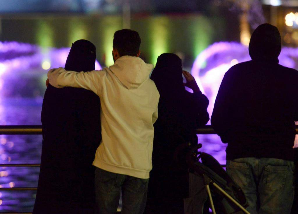 Amid a liberalisation drive in Saudi Arabia, young couples are increasingly seen mixing in public, and a new, even if risky, dating culture is taking root