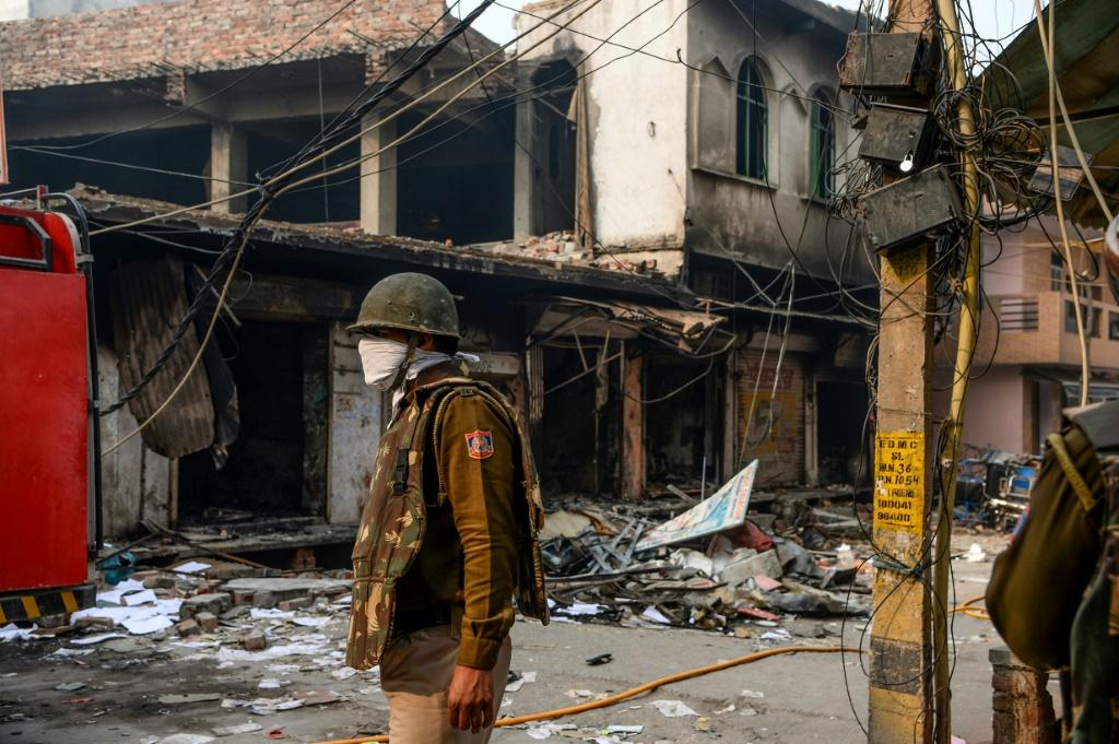 20 people have died in sectarian violence in the Indian capital