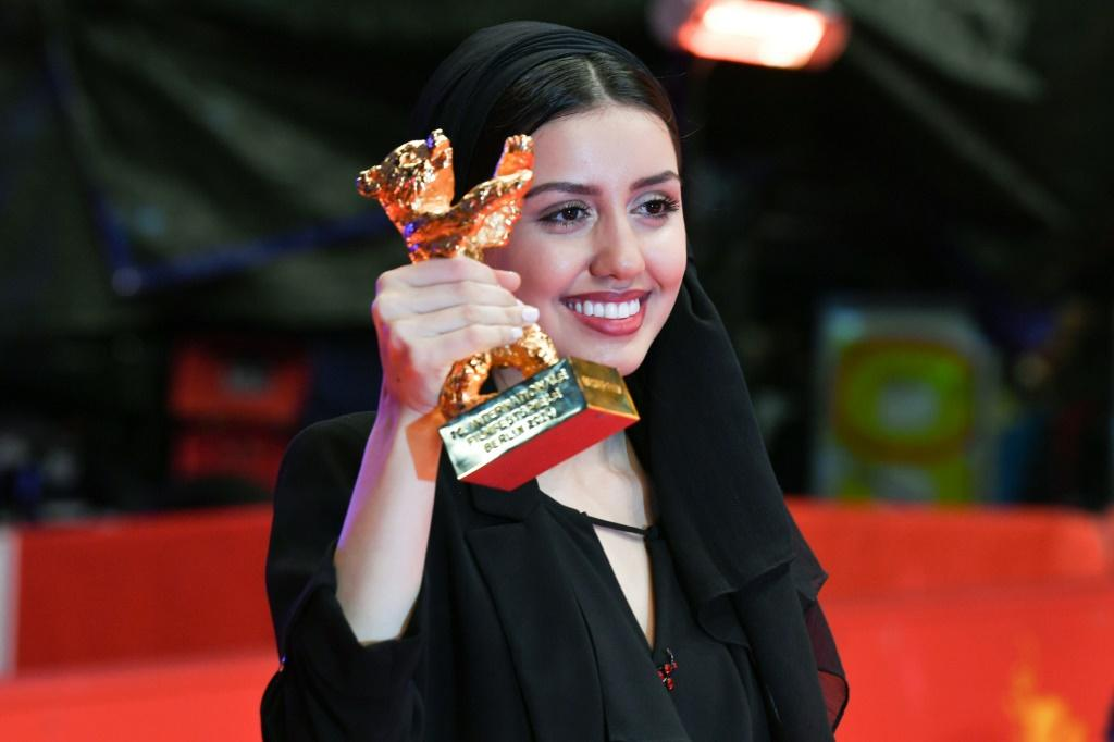 [Iranian dissident, teenager abortion drama acquire prime prizes at Berlin film fest]