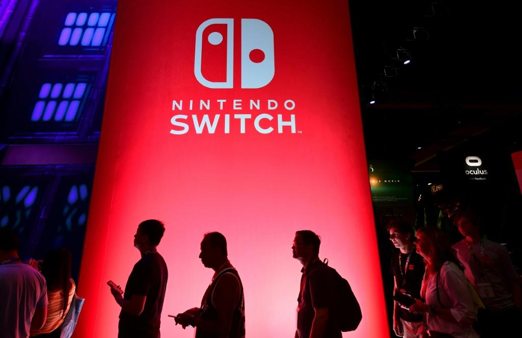 Nintendo said it was working to fix a network problem that prevented people from connecting to its online games