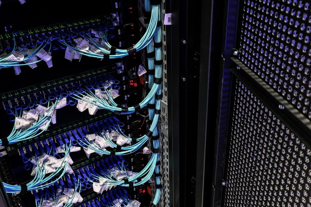 A crowdsourcing project drawing on individual and corporate computing power worldwide has created a supercomputer to help accelerate coronavirus research