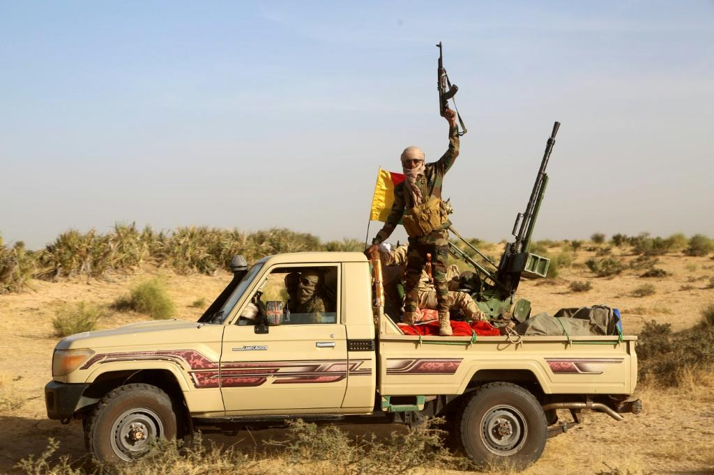 Malian fighters patrolling on the border with Mauritania on January 22, 2020