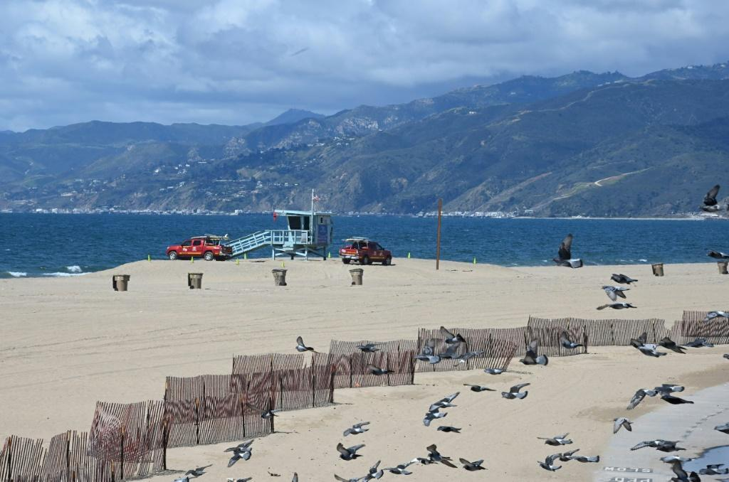 California beaches are empty during the state's coronavirus lockdown, a far cry from the weekend before when thousands ignored the governor's orders and headed outside