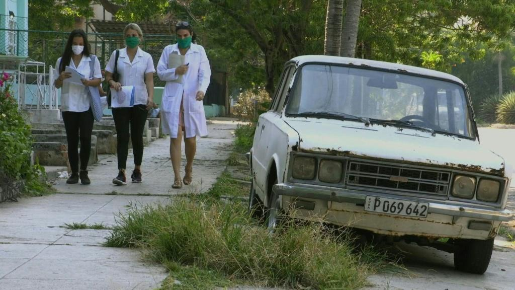 Cuban doctors and medical students pay door-to-door visits to residents living in low-income neighbourhoods in the capital to ensure they have all the necessary information to tackle the COVID-19 outbreak.