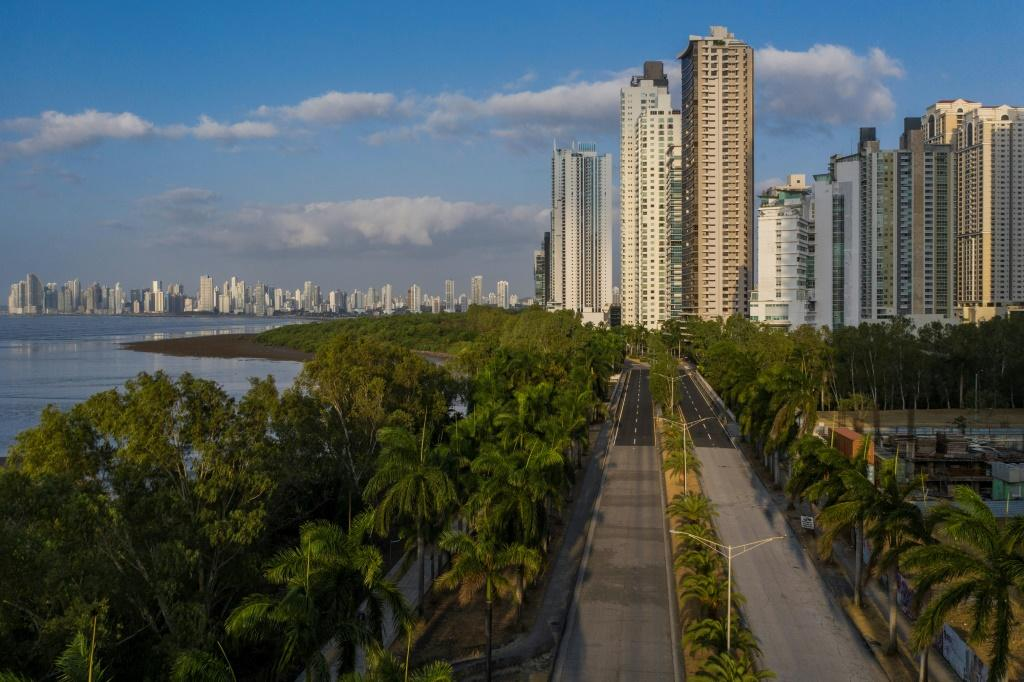 A highway in Panama City was completely empty on March 25, 2020