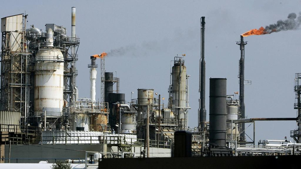 An oil refinery in Galveston Bay in Texas. A lack of storage facilities is pushing the price of oil down