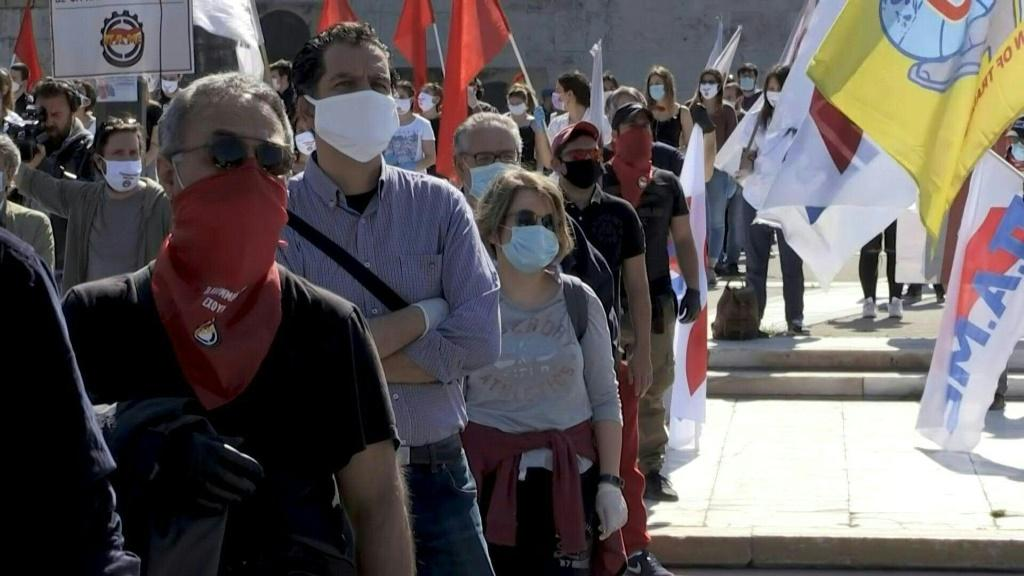 """Workers marked May Day in Athens with masks, gloves and """"strict"""" adherence to spacing regulations"""