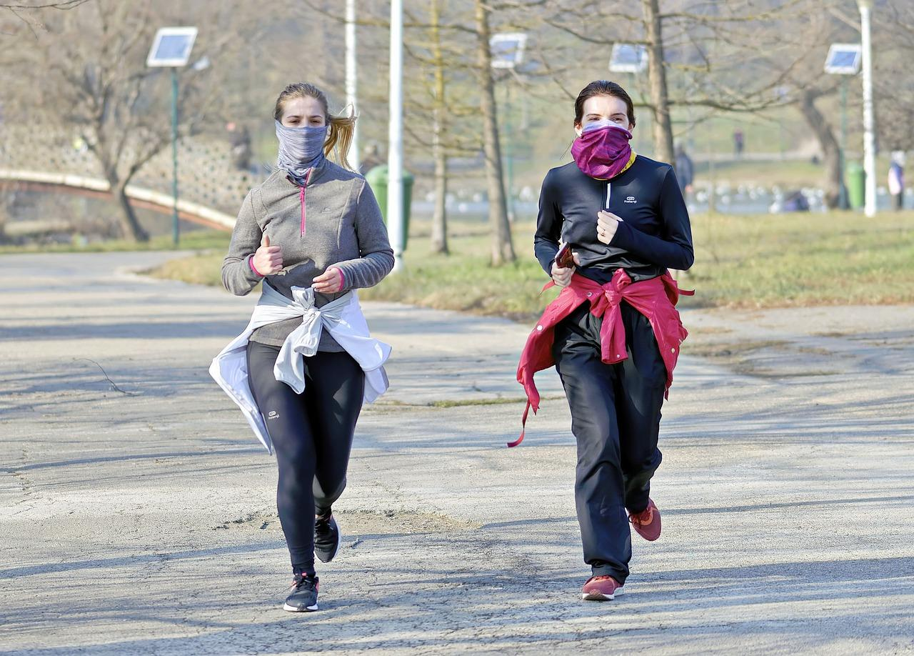 jogger runs for miles with mask on, suffers from burst lungs