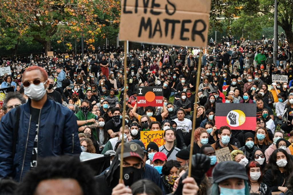 Marchers defied government warnings about coronavirus to rally in Sydney