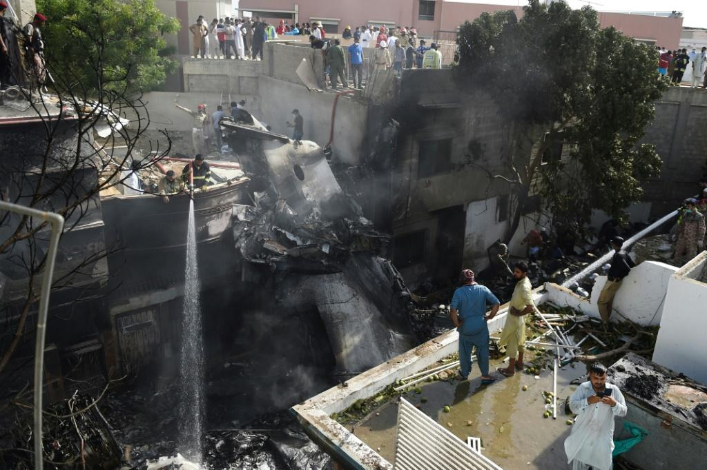 The deadly crash of a Pakistan International Airlines plane last month has been blamed on human error in an initial report on the disaster