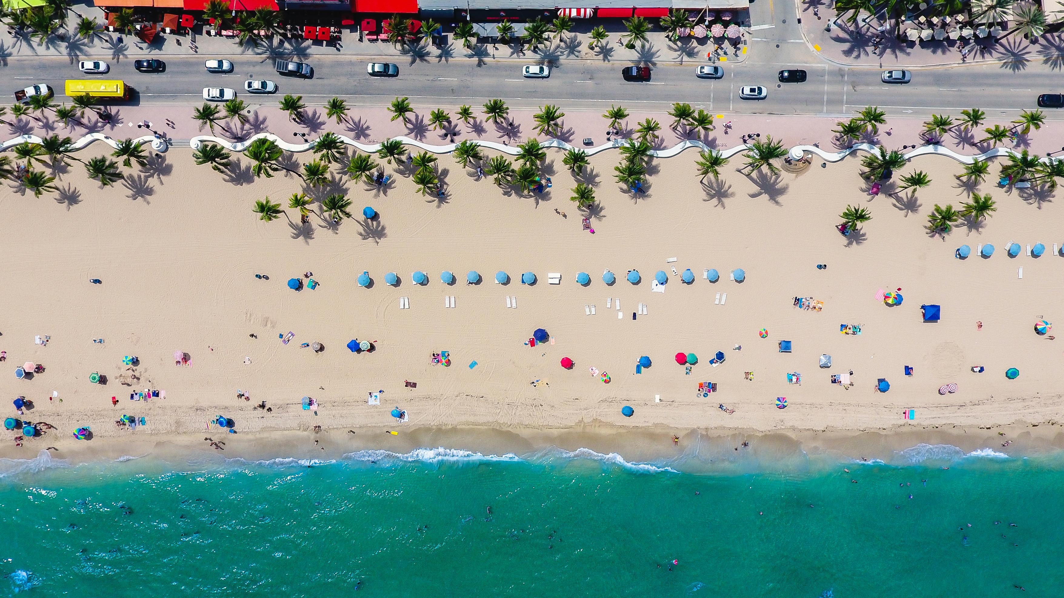 aerial-view-of-the-beach-at-fort-lauderdale-florida