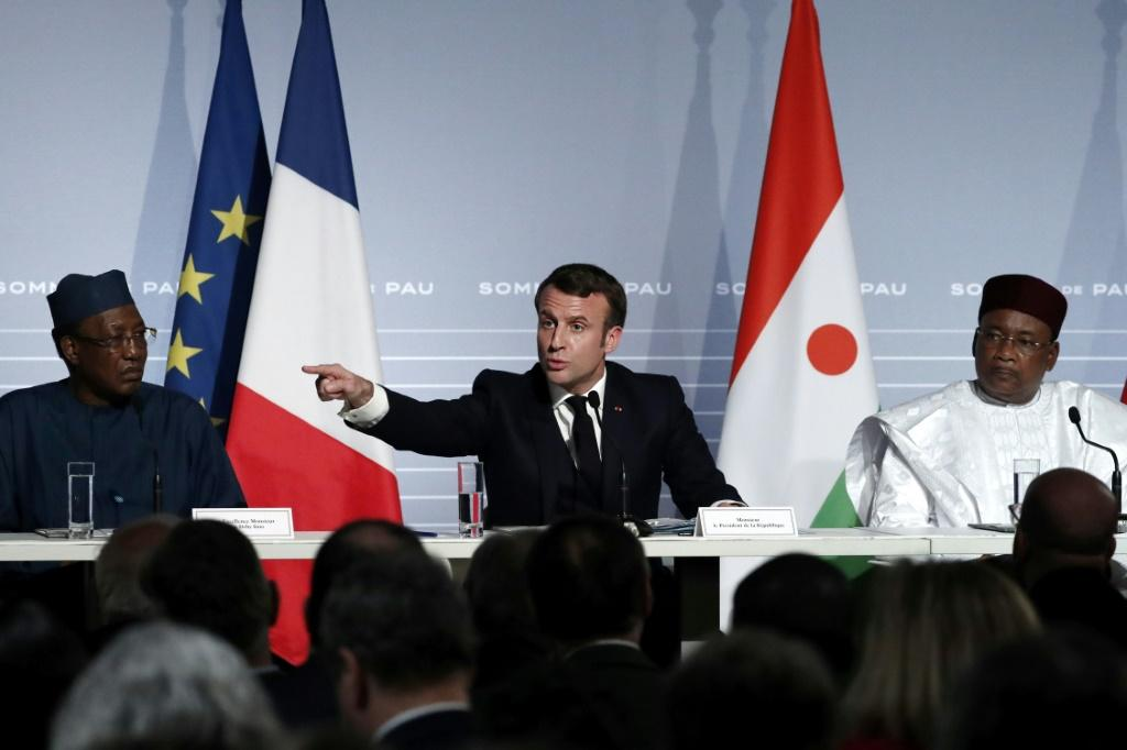 French President Emmanuel Macron hosted Presidents Mahamadou Issoufou of Niger, Idriss Deby of Chad, and three others during an initial summit aimed at stemming jihadists in the Sahel region of Africa