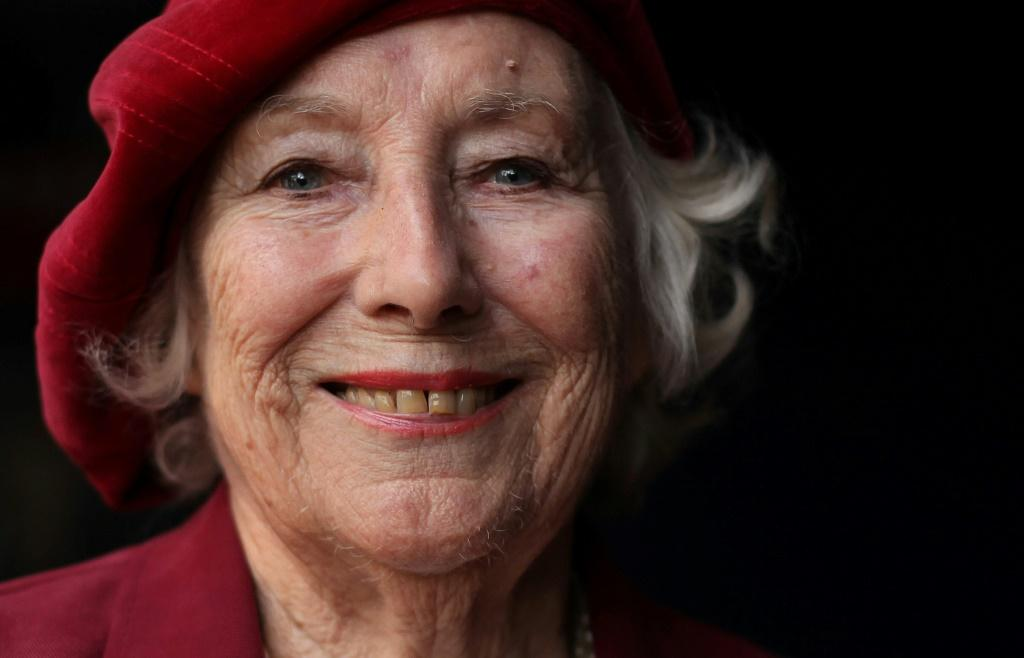 Vera Lynn poses was known as Britain's forces sweetheart